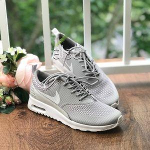 NWT Nike Air Max Thea PRM Arctic Grey WMNS NWT
